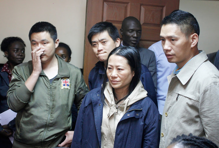 Court overturns deportation of 4 Chinese