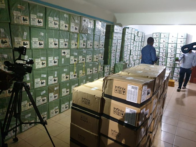 DCI Detectives nab stolen mobile phones on transit to warehouse