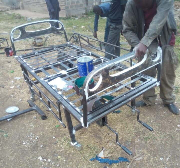 President Uhuru places order for 500 hospital beds by youthful innovators