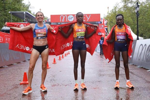 Female athletes awarded for London Marathon performance