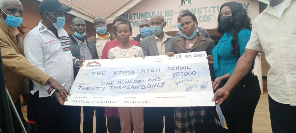 Top KCPE student gets scholarship to join Kenya High School